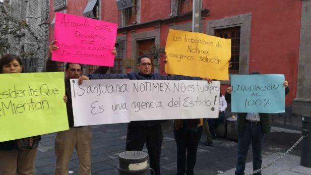 Ignora AMLO a trabajadores de Notimex y da espaldarazo a Sanjuana Martínez