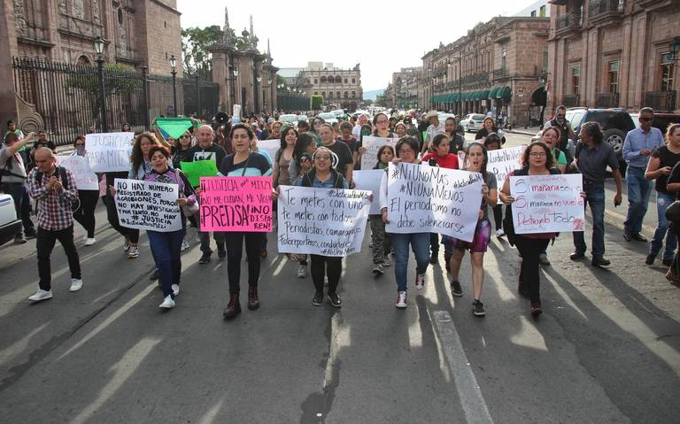Al grito de #NoMeCuidanMeViolan, mujeres apoyan a periodista de Morelia