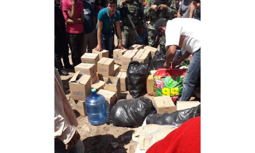Guerrero: Retienen a soldados y policías que trasladaban municiones en cajas del DIF (Video)