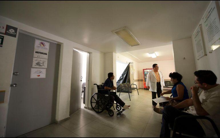 Tapatíos pagarían hasta 10 veces más por servicios médicos en Cruz Verde (Jalisco)