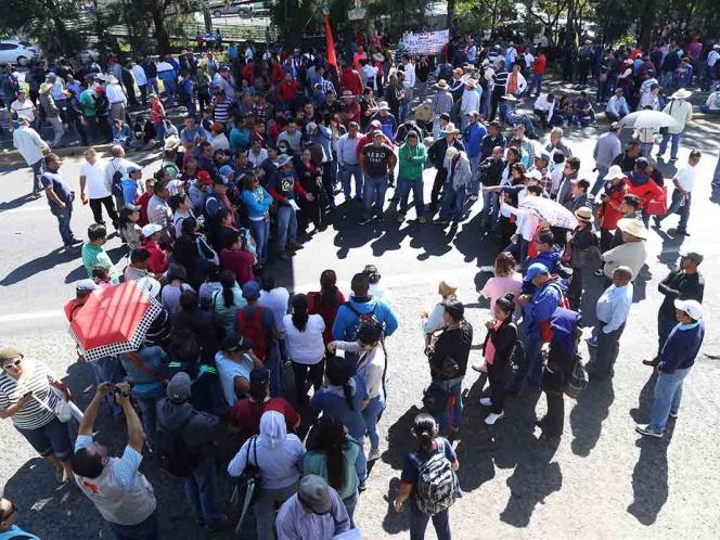CNTE marcha en Morelia por atraso de pagos