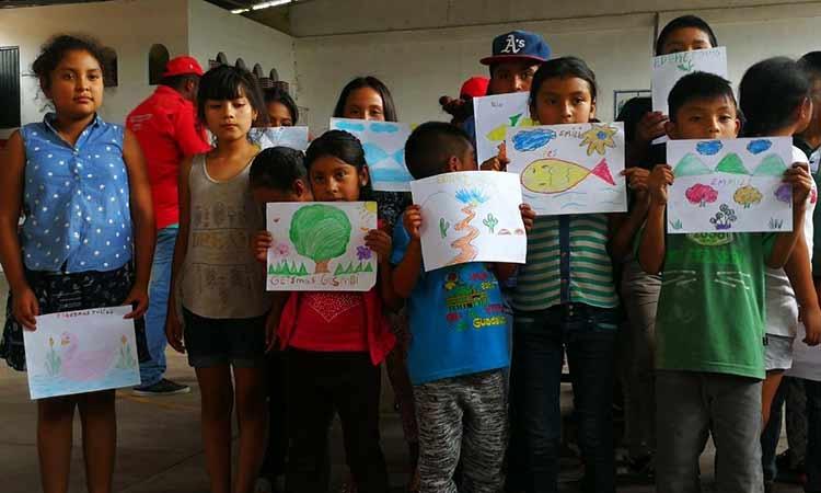 Rechazan a niños desplazados en las escuelas de lugares donde se refugian (Guerrero)