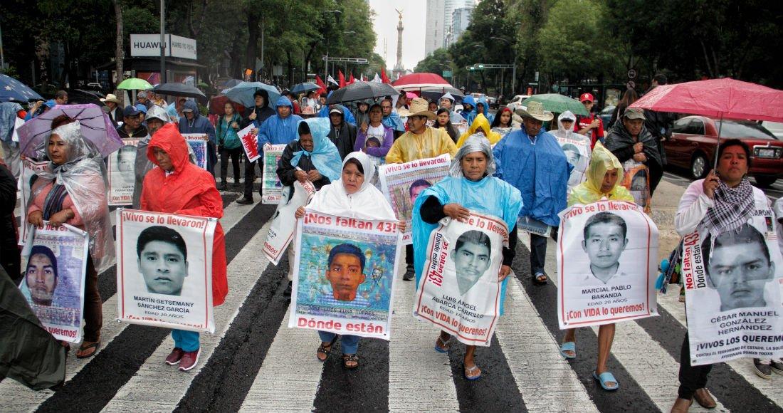 """Padres de los 43: Hay resistencia en Sedena, PF, Marina y FGR; gente participó en la """"verdad histórica"""""""