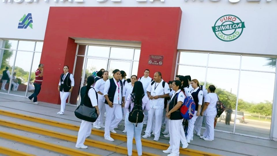 Personal del Hospital de la Mujer se manifiesta por falta de pago (Sinaloa)