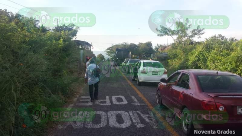 Pobladores de Ostula, Michoacán, instalan revisiones vehiculares tras emboscada a Guardia Local (Michoacán)