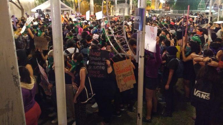 Feministas de Yucatán denuncian hackeo y acoso policial tras 25-N