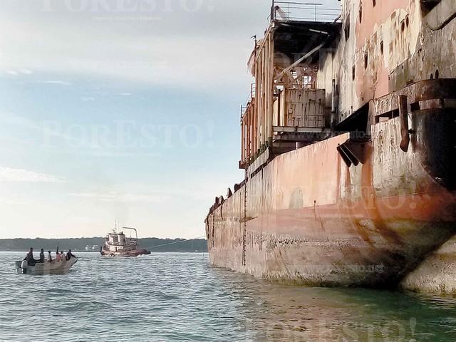 Ilegal, autorización de desguace de buques de OSA en puertos de Campeche