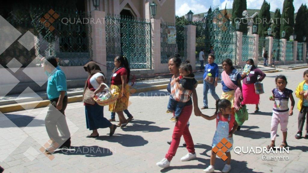 Rompen muro del miedo para exigir alto a la violencia en Chilapa (Guerrero)