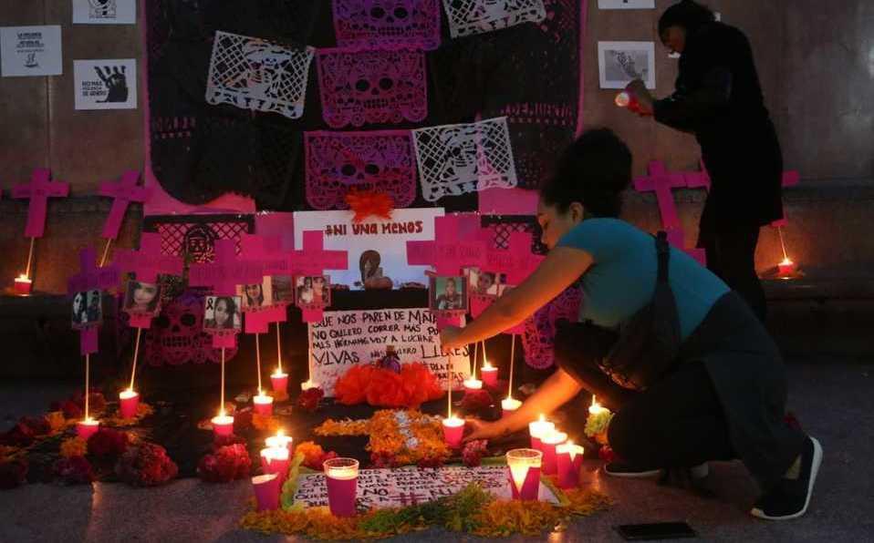 Con altar de Muertos, Marea Verde exige frenar feminicidio (Tamaulipas)