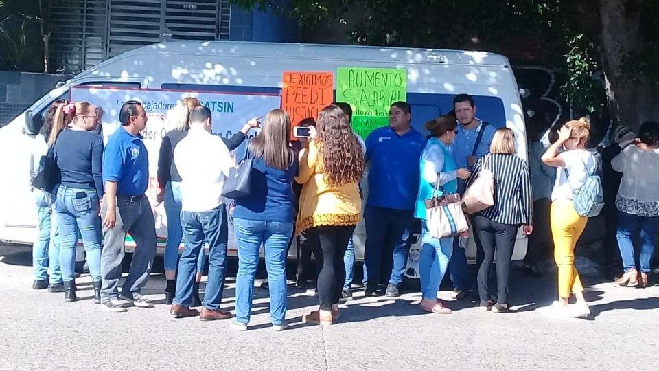En paro laboral personal de Icatsin en todo Sinaloa