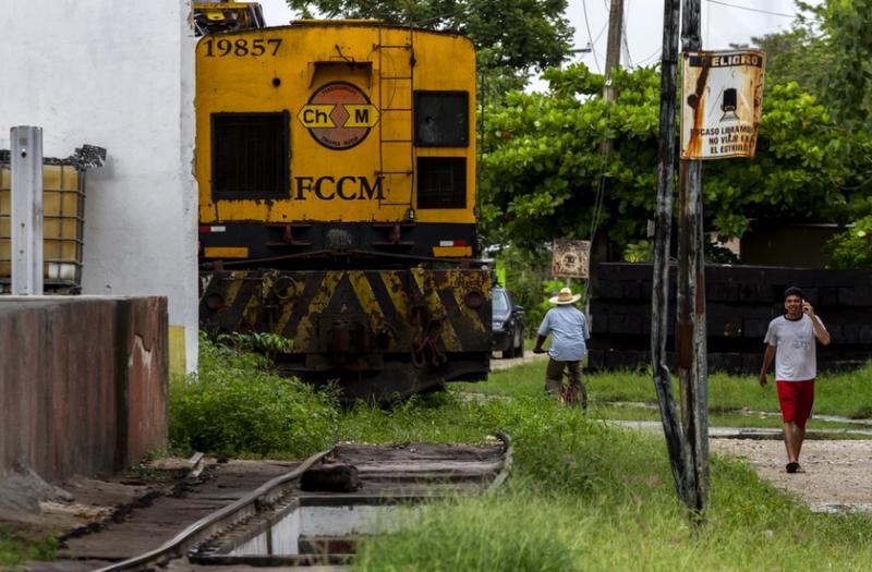 Rechazan consulta de Tren Maya