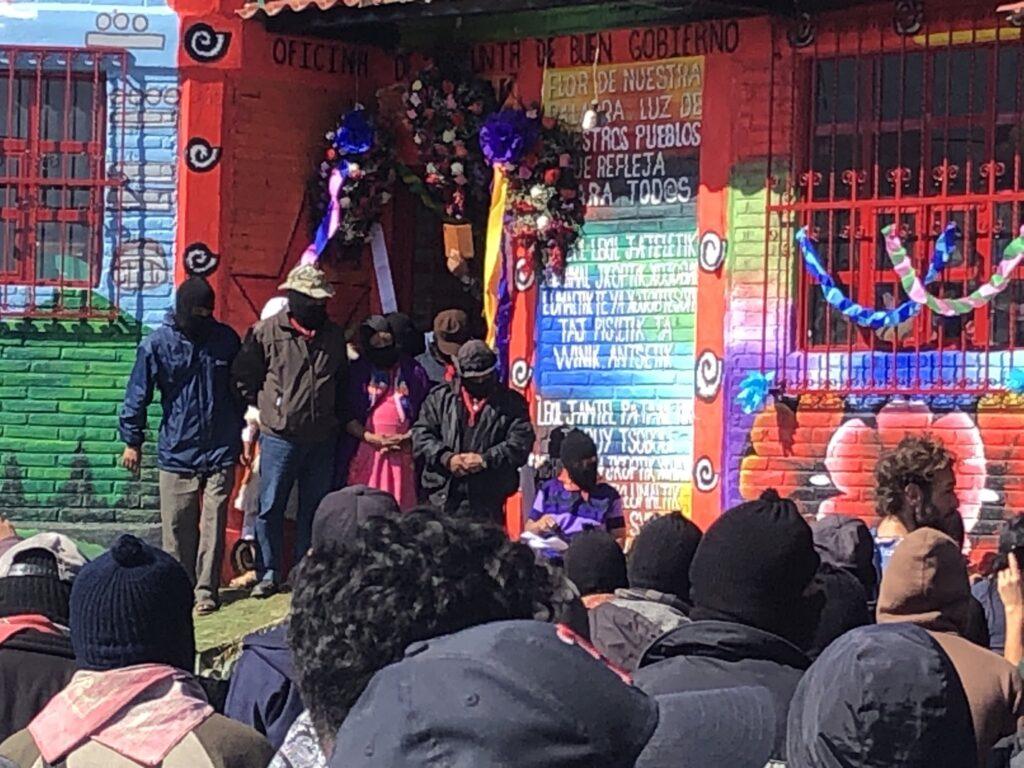 """""""Hoy les toca hacer lo que soñábamos hace 37 años"""", zapatistas inauguran el Caracol Jacinto Canek, en San Cristóbal de las Casas, Chiapas."""