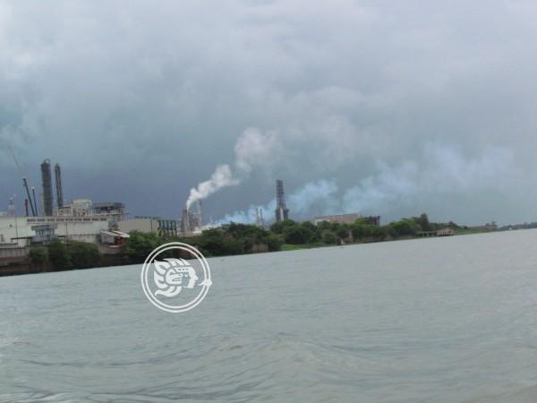 Alza en casos de cáncer en Veracruz por contaminación de fábricas