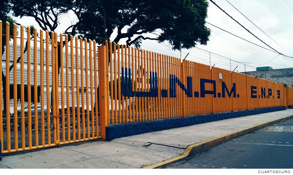 Familiares de estudiantes víctimas de violencia apoyan paro en Prepa 9 (Ciudad de México)
