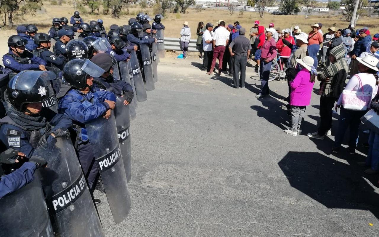 Nahuas cancelan construcción de drenaje tóxico; gobierno de Puebla escapa