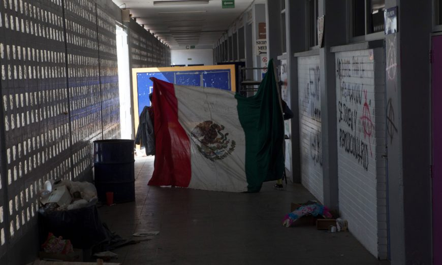 Prepa 9 cumple 55 días en paro; alumnos exigen destitución de profesores denunciados por acoso (Ciudad de México)