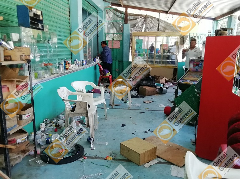 Gritos de auxilio lanzan los desplazados por la Familia Michoacana en Zirándaro (Guerrero)