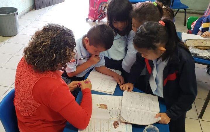 """Recortes presupuestales en Yucatán dejan sin """"chamba"""" a más de 100 de maestros"""