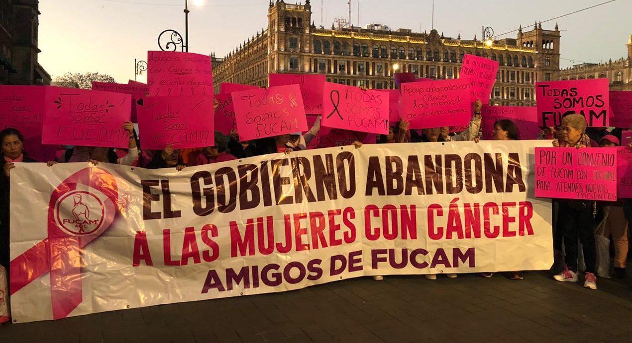 """""""Cáncer no, vida sí"""": Pacientes de Fucam exigen se regrese el apoyo del gobierno a la fundación (Ciudad de México)"""