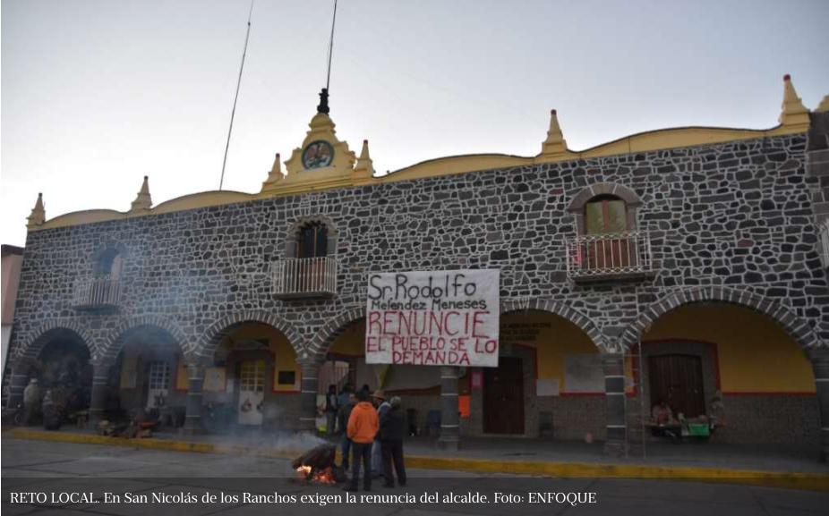 Habitantes toman control de 3 alcaldías (Puebla)