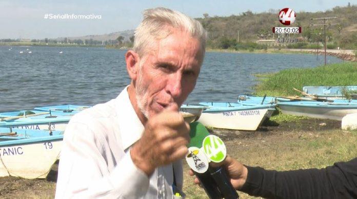 Pescadores alertan sobre contaminación en presa de Valencia (Jalisco)