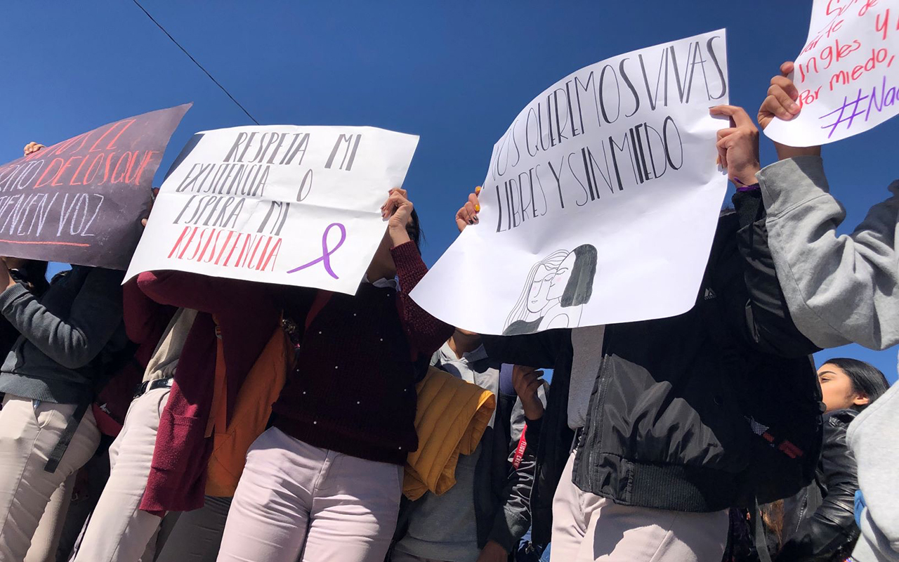 'No me enseñas, me acosas', protestan contra acoso sexual de maestros en Ciudad Juárez