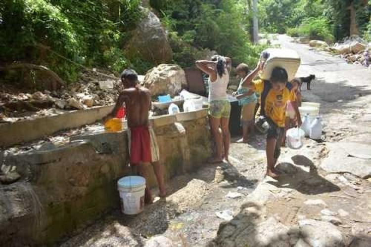 Escasez de agua en Acapulco afecta zonas pobres, turísticas y de lujo (Guerrero)
