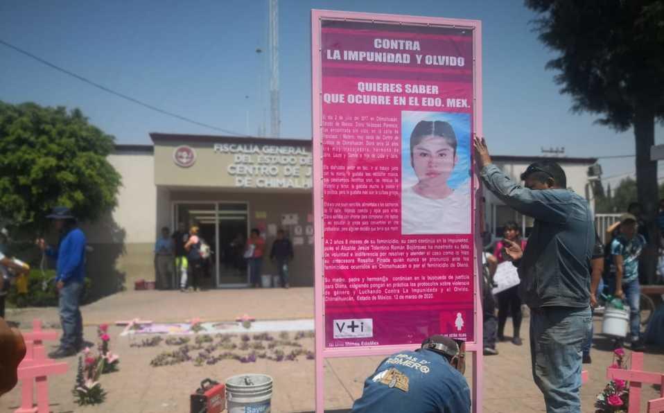 Colocan memorial para Diana y exigen justicia a su caso (Estado de México)