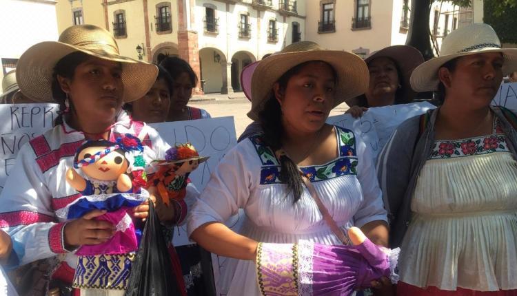 Denuncian acoso a artesanos en Amealco (Querétaro)