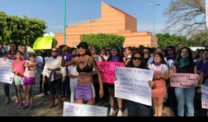 Mujeres marcharon en Autlán para exigir seguridad y respeto (Jalisco)