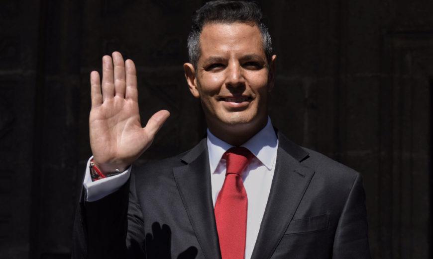 """Murat desacata sentencia e impulsa """"consultas simuladas"""" para parque eólico (Oaxaca)"""
