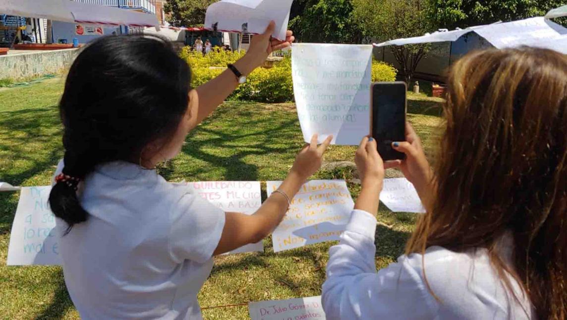 Por acoso exhiben a profesores de Medicina (Oaxaca)