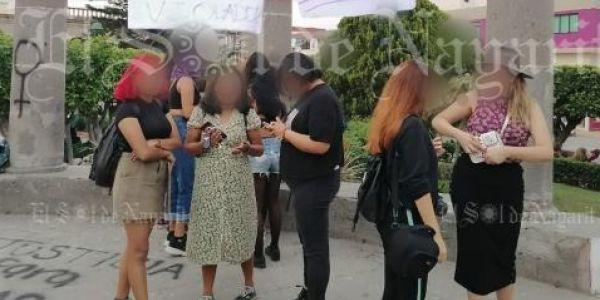 """Exhiben a acosadores en """"tendedero de la vergüenza"""" en Tepic (Nayarit)"""