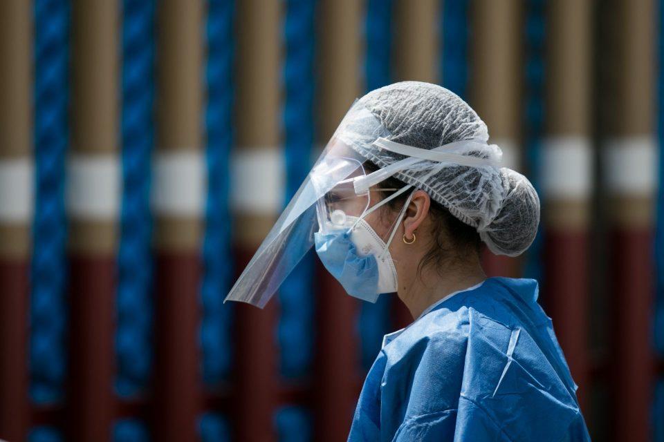"""""""No es que no queramos dar informes, es que estamos rebasados"""": médicos de la Clínica 27 del IMSS (Ciudad de México)"""