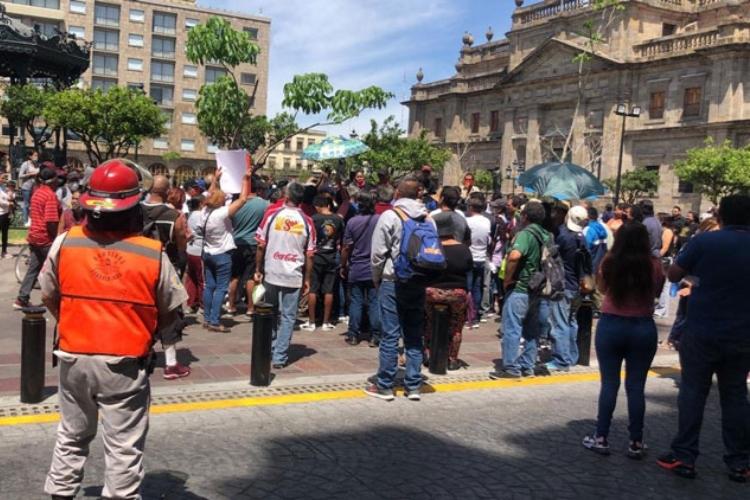 Comerciantes exigen que los dejen vender (Jalisco)