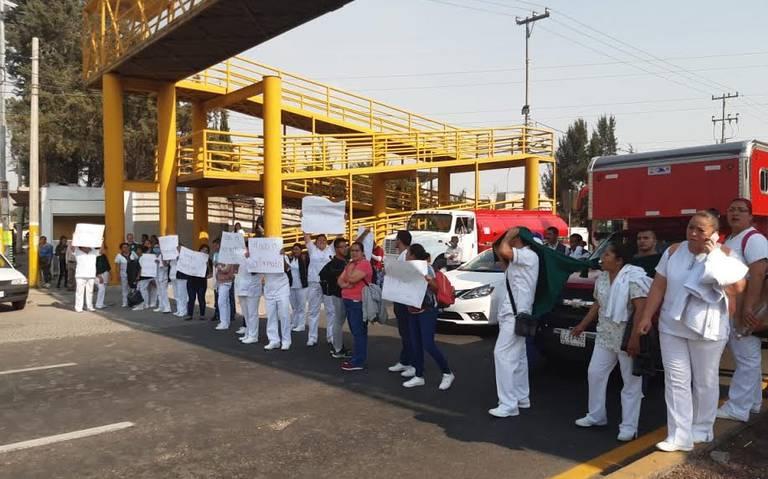 Enfermeros realizan bloqueos en Texcoco; piden insumos para trabajar (Estado de México)