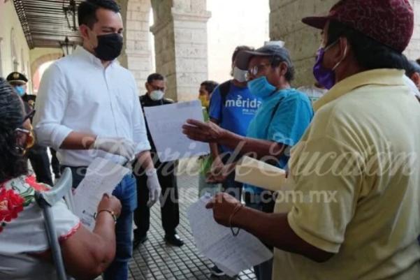 """Más protestas en Palacio de Gobierno: piden apoyo """"para comer"""" (Yucatán)"""