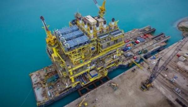 Trasladan a trabajadores petroleros de Abkatún por sospecha de COVID-19 (Campeche)