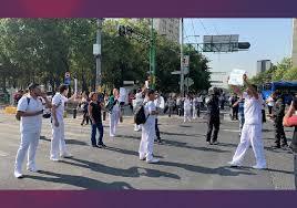 Personal médico se manifiesta en Eje Central, solicitan insumos (Ciudad de México)