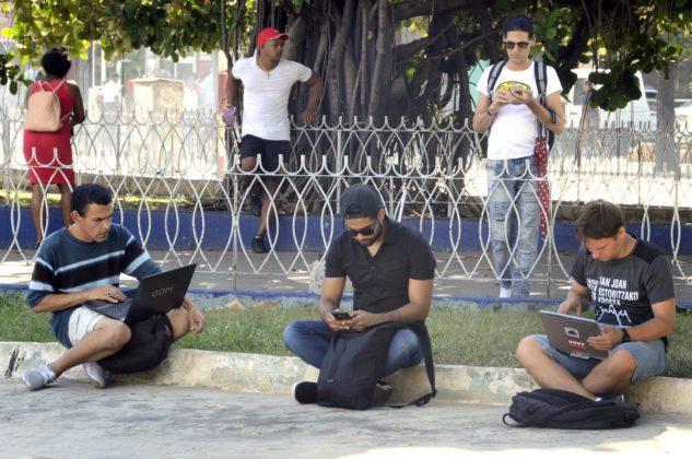 Estudiantes del CUCSUR, CUCI y CUNORTE, con menor acceso a internet (Jalisco)