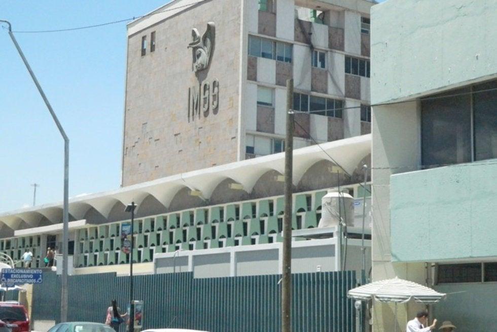 En Monclova, mueren doctora y padre de reportera, sospechoso de COVID-19 (Coahuila)