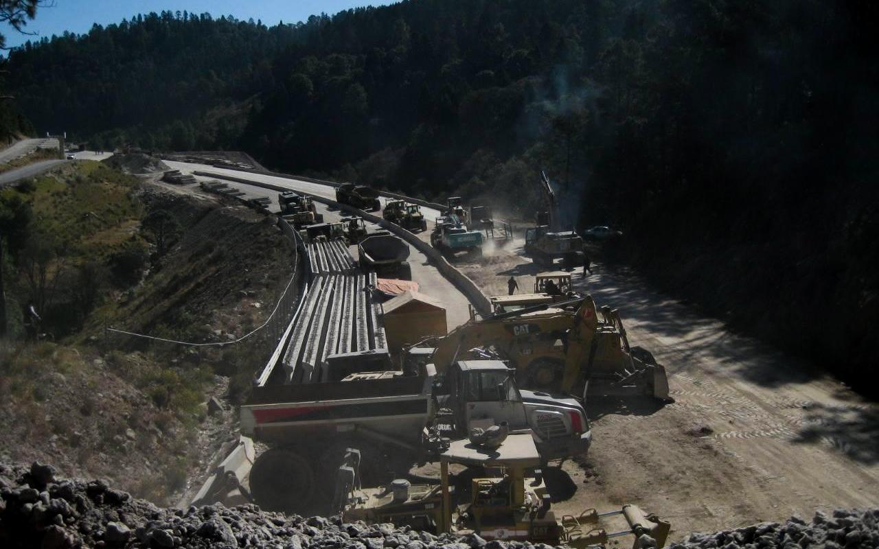 Grupo Higa continúa autopista ilegal, bajo protección de Guardia y policía mexiquense (Edomex)