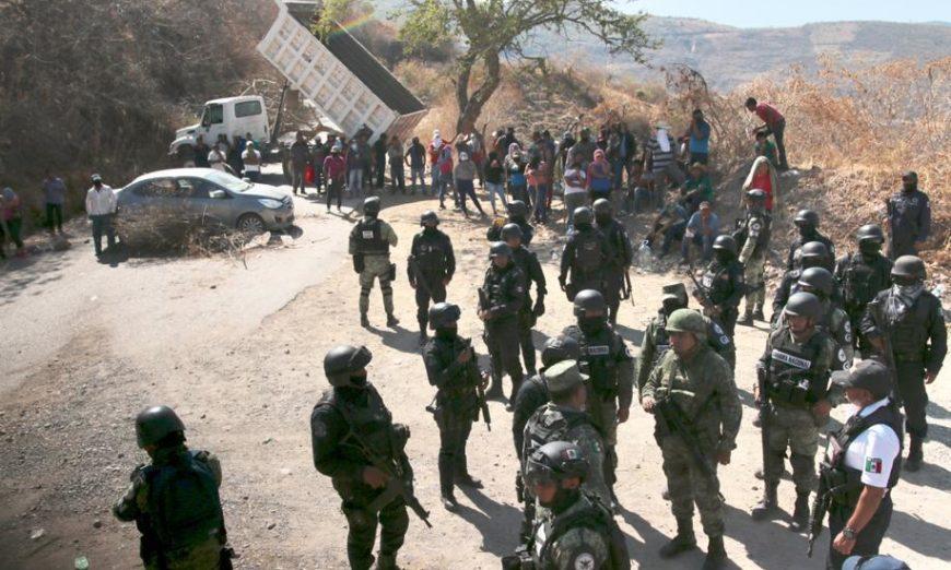 """Desplazados en Guerrero: """"Aquí el virus que está matando a la gente es la violencia"""""""