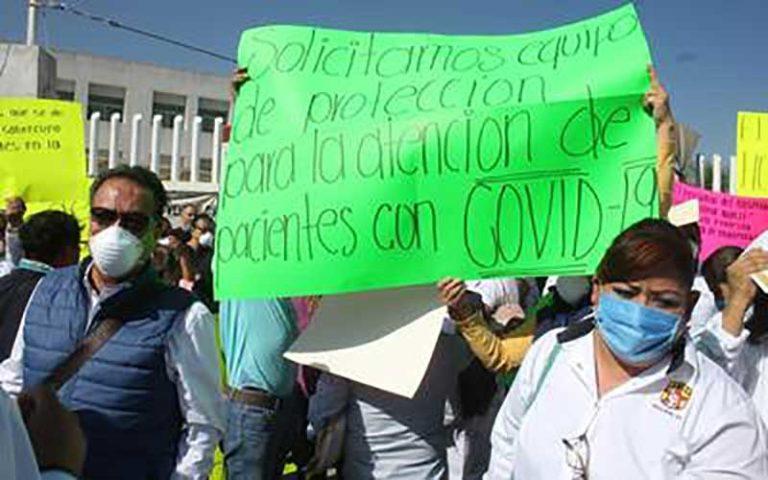 Protesta personal de la Secretaría de Salud (Nayarit)
