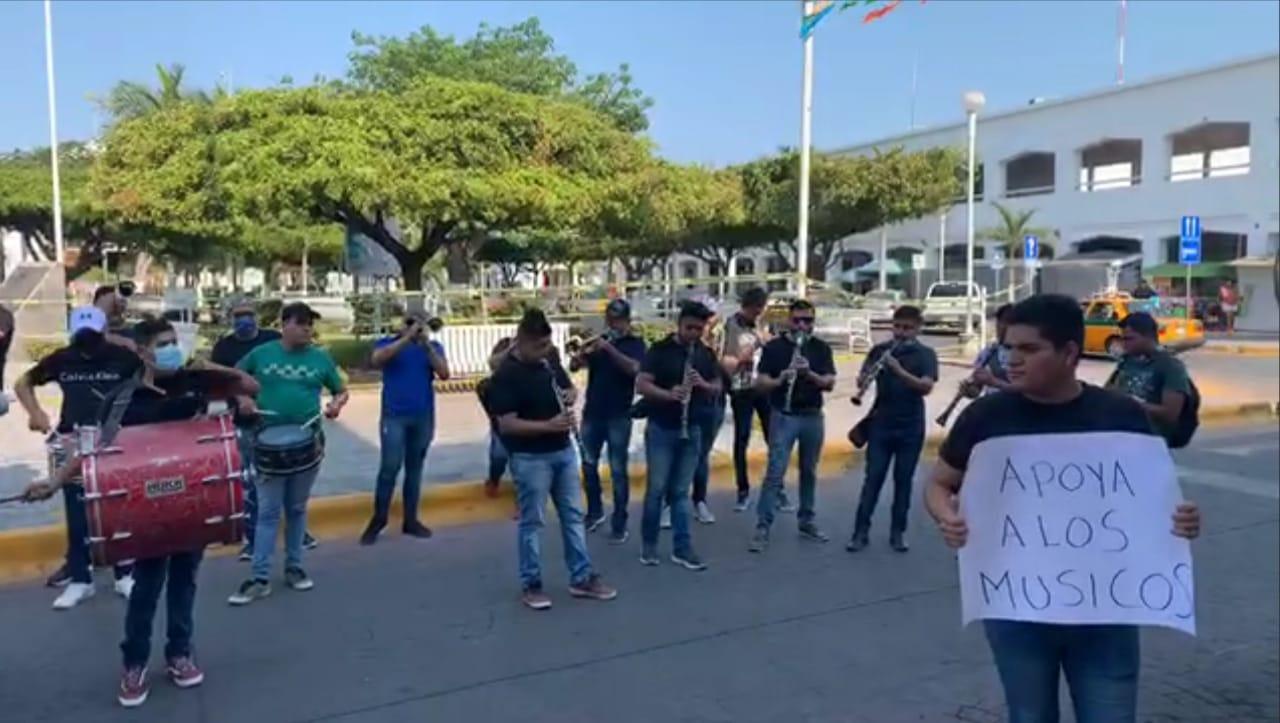 Se manifiestan músicos independientes en el municipio de Tecomán (Colima)