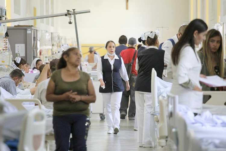 Estudiantes de medicina, desprotegidos (Jalisco)