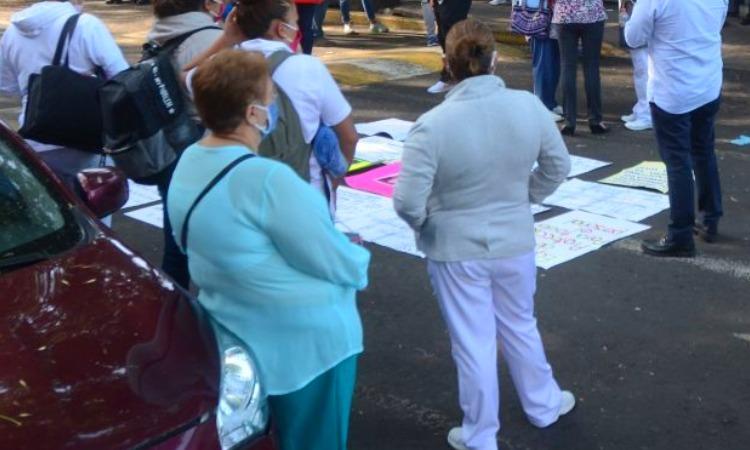 Personal del IMSS Zacatecas protesta en demanda de material para COVID-19