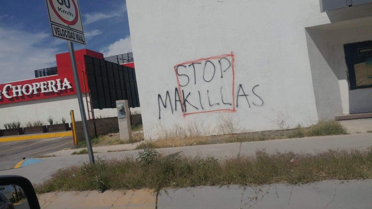 Obreras y obrerosrealizan pintas contra la explotación y condiciones de insalubridad en las maquiladoras en Ciudad Juárez