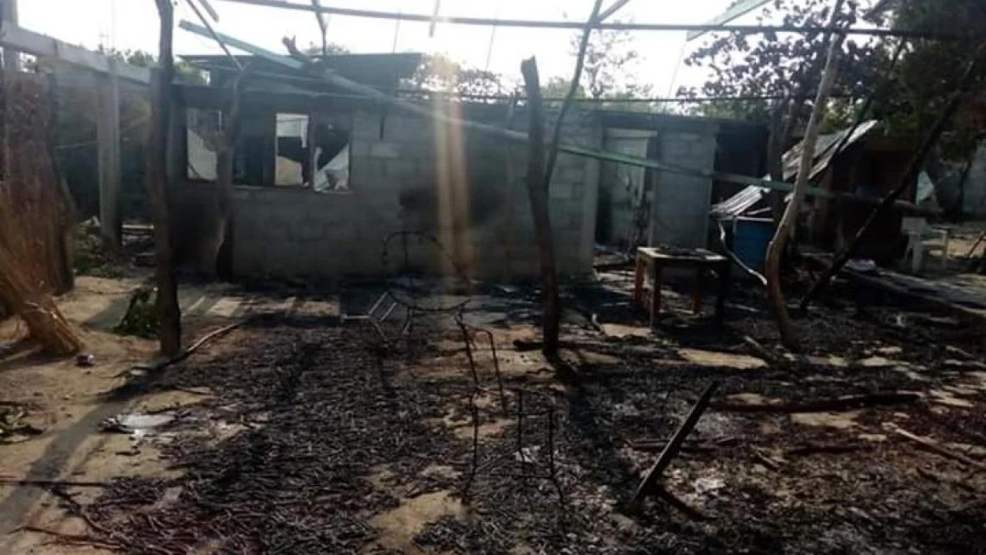 Reportan balacera, quema de vivienda y vehículos en Huazantlán del Río; habría lesionados y desaparecidos (Oaxaca)