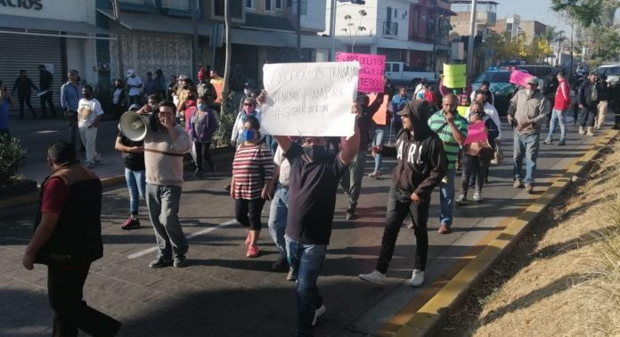 Elementos de seguridad impiden instalación del Tianguis de Tonalá (Jalisco)